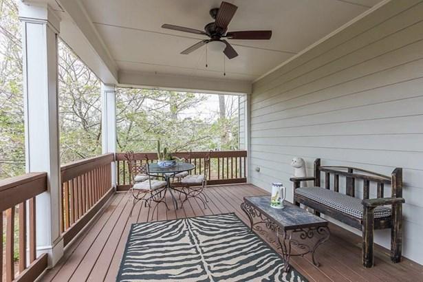 Residential Detached, Traditional - Smyrna, GA (photo 4)