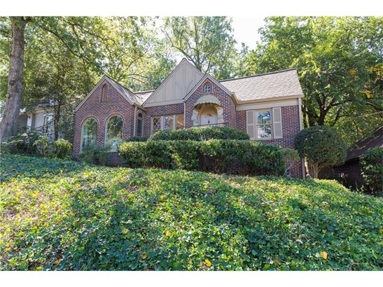 Residential Detached, Traditional,Tudor - Atlanta, GA (photo 2)