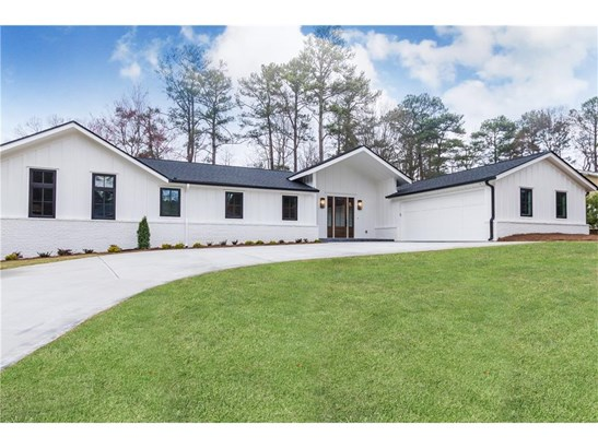Contemporary/Modern,Traditional, Residential Detached - Brookhaven, GA (photo 1)