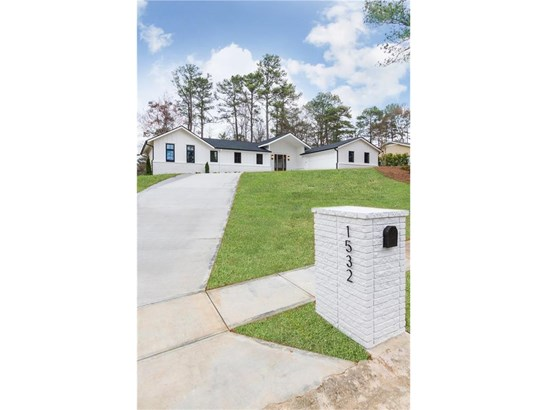 Contemporary/Modern,Traditional, Residential Detached - Brookhaven, GA (photo 2)