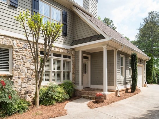 Residential Detached, Traditional - Roswell, GA (photo 2)