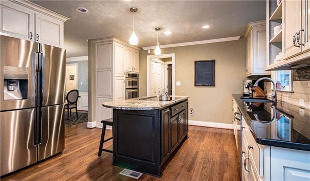 Residential Detached, Traditional - Peachtree Corners, GA (photo 5)