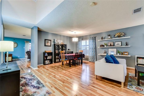 2960 Donnell Dr, Round Rock, TX - USA (photo 4)