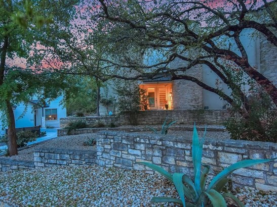 1 Crystal Springs Ct  E, The Hills, TX - USA (photo 5)
