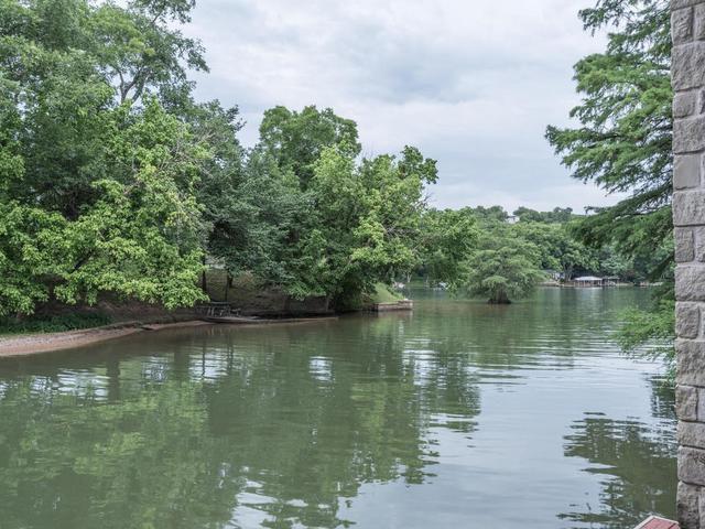 8816 Big View Dr, Austin, TX - USA (photo 3)