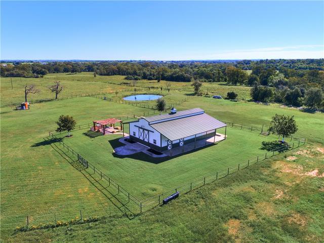 400 Pecan Acres Rd, Bastrop, TX - USA (photo 2)