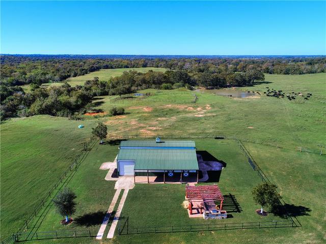 400 Pecan Acres Rd, Bastrop, TX - USA (photo 3)