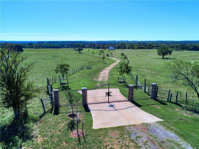 400 Pecan Acres Rd, Bastrop, TX - USA (photo 4)