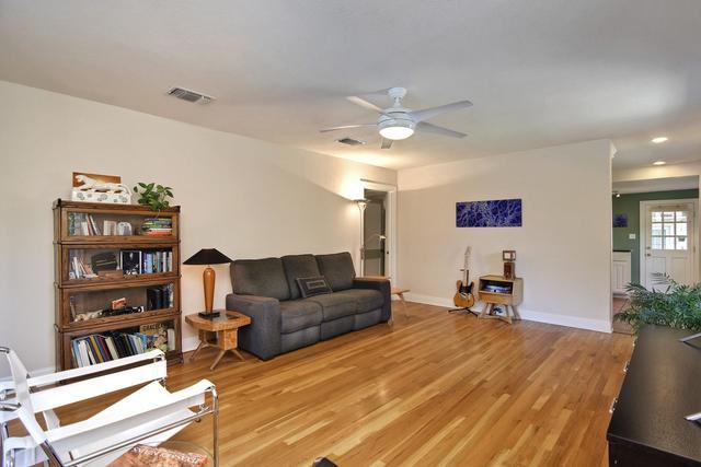 1307 Harriet Court, Austin, TX - USA (photo 5)