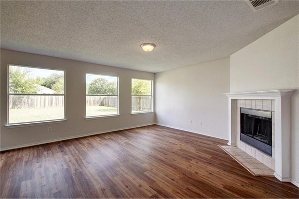 1308 Honeysuckle Ln, Pflugerville, TX - USA (photo 5)