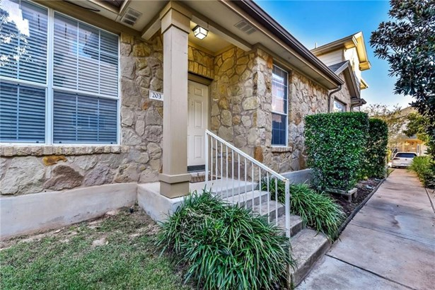 16100 S Great Oaks Dr  203, Round Rock, TX - USA (photo 2)