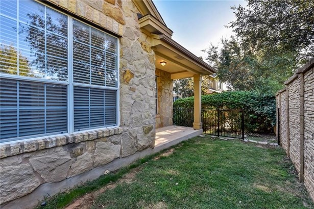 16100 S Great Oaks Dr  203, Round Rock, TX - USA (photo 4)