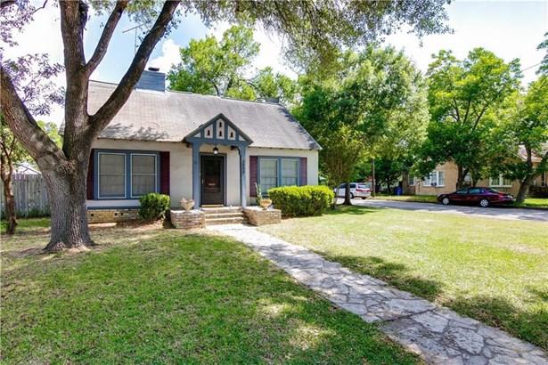 1053 E College St, Seguin, TX - USA (photo 2)