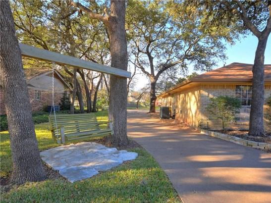 7002 Hanging Oak Cir, Austin, TX - USA (photo 1)