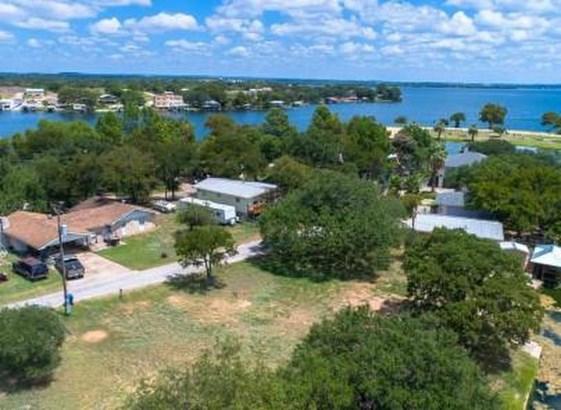 323 Belaire Cir, Granite Shoals, TX - USA (photo 1)
