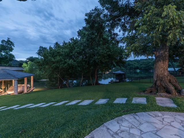 8816 Big View Dr, Austin, TX - USA (photo 2)