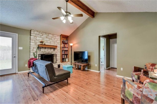 2102 Meadow Brook Dr, Round Rock, TX - USA (photo 2)