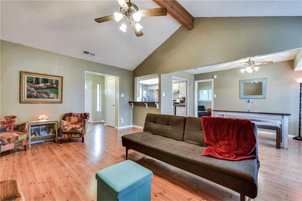 2102 Meadow Brook Dr, Round Rock, TX - USA (photo 4)