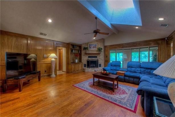 7005 One Oak Rd, Austin, TX - USA (photo 5)