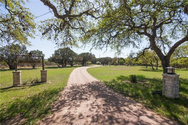 408 Blue Creek Dr, Dripping Springs, TX - USA (photo 3)