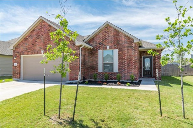 203 Carrington St, Hutto, TX - USA (photo 1)