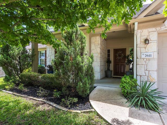 7611 Black Mountain Dr, Austin, TX - USA (photo 2)