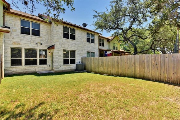 2410 Great Oaks Dr  503, Round Rock, TX - USA (photo 2)