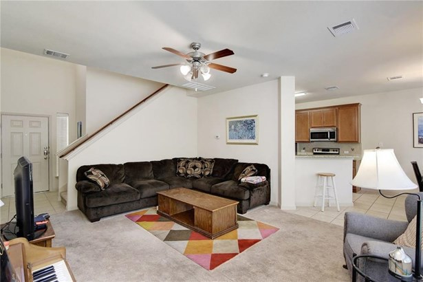 2410 Great Oaks Dr  503, Round Rock, TX - USA (photo 5)