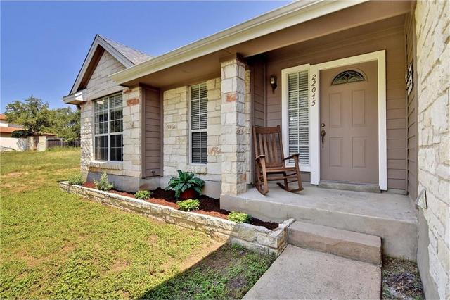 22045 Briarcliff Dr, Briarcliff, TX - USA (photo 3)