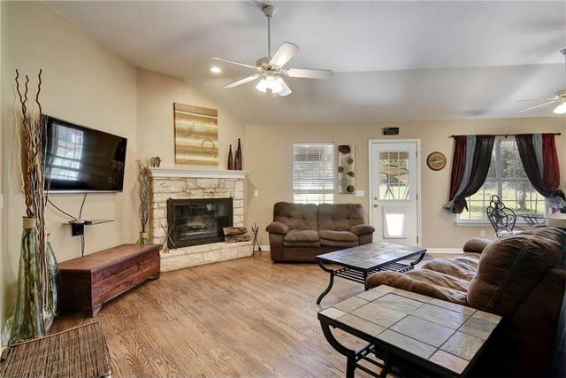 22045 Briarcliff Dr, Briarcliff, TX - USA (photo 4)