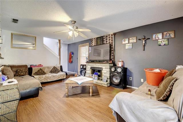 1306 Cool Shadow Dr, Del Valle, TX - USA (photo 3)