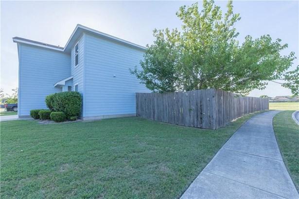 504 W Metcalfe St, Hutto, TX - USA (photo 4)