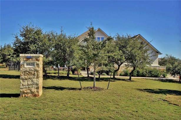 9525 Stratus Dr, Dripping Springs, TX - USA (photo 3)