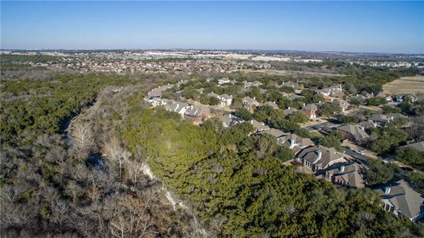 10708 Thoroughbred Dr, Austin, TX - USA (photo 2)