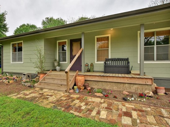 108 E 11th St, Elgin, TX - USA (photo 1)