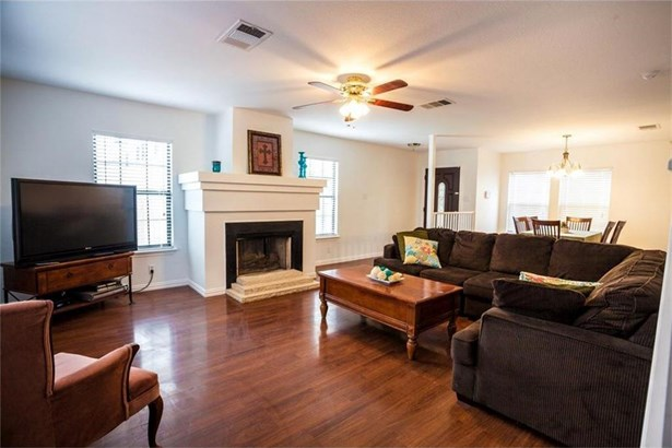 371 Whispering Hollow Dr, Kyle, TX - USA (photo 5)