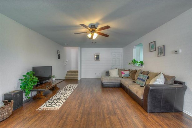 120 Hillhouse Ln, Manchaca, TX - USA (photo 5)