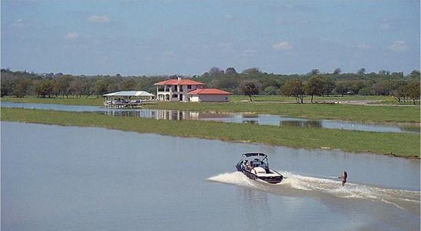 125 River Lakes Lane, Martindale, TX - USA (photo 3)