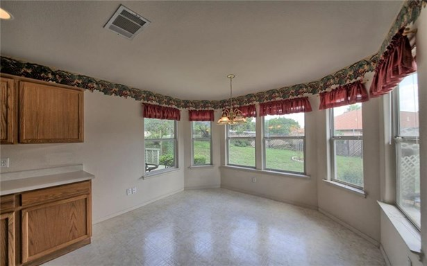 4805 Apache Cv, Lago Vista, TX - USA (photo 5)