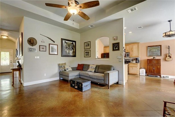 595 W Keanahalululu Ln, Bastrop, TX - USA (photo 5)