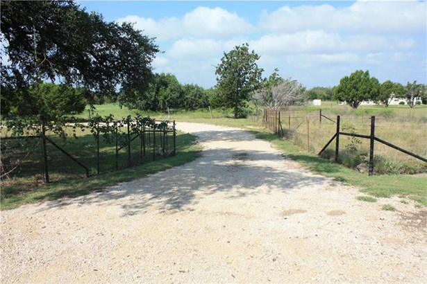 913 County Road 230, Florence, TX - USA (photo 1)