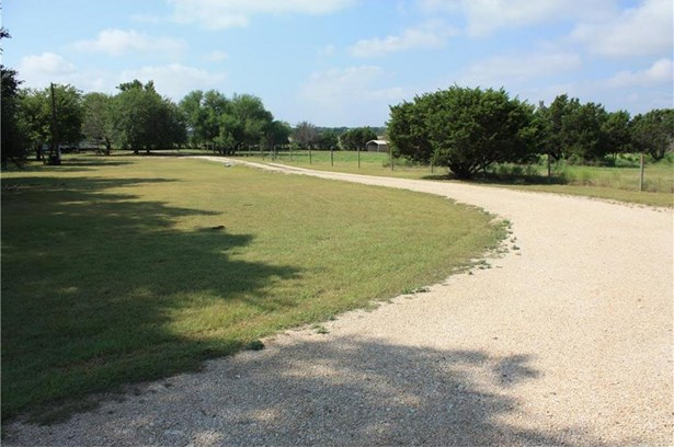 913 County Road 230, Florence, TX - USA (photo 3)