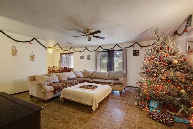 1102 Green Downs Dr, Round Rock, TX - USA (photo 3)
