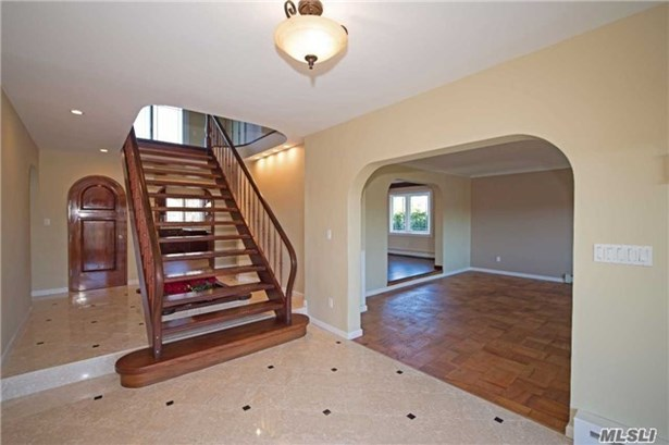 Rental Home, Colonial - East Islip, NY (photo 2)