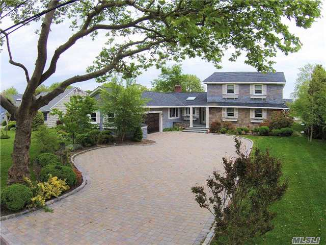 Residential, Traditional - West Islip, NY (photo 1)