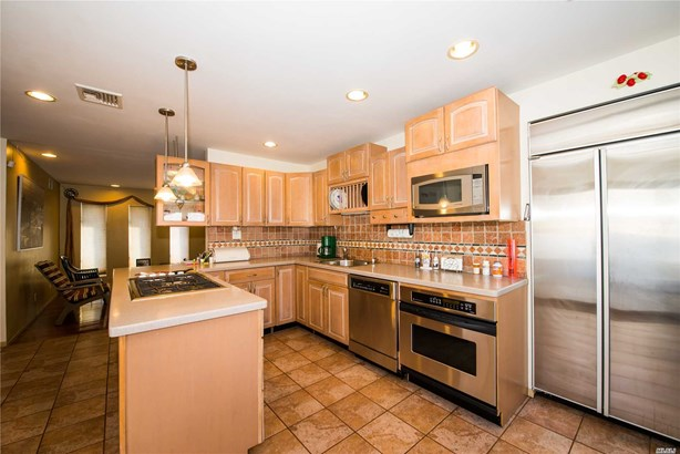 Residential, Exp Cape - Lindenhurst, NY (photo 5)