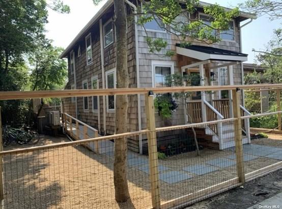 Single Family Residence, Cottage - Ocean Beach, NY