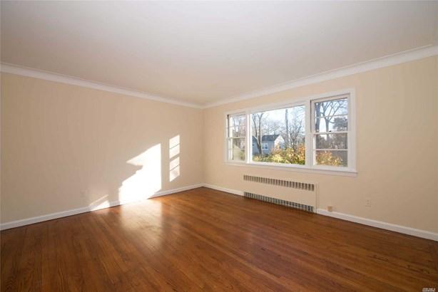Residential, Exp Cape - East Islip, NY (photo 3)