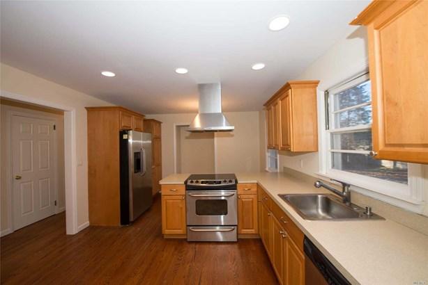 Residential, Exp Cape - East Islip, NY (photo 5)