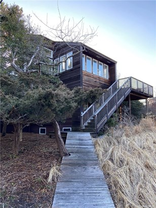 Single Family Residence, 2 Story - Seaview, NY